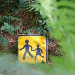 gite-ecolo-bebe-bretagne-enfants-famille-foret-enchantee-magique-panneau-172q50