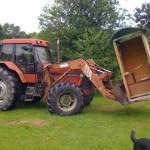 gite-ecolo-bebe-bretagne-famille-enfants-tracteur-toilettes-seches-0631q50