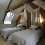 gite-ecolo-bebe-bretagne-fournil-chambre-2-lits-5512q50
