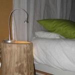 gite-ecolo-bebe-bretagne-fournil-table-nuit-201106273244q50