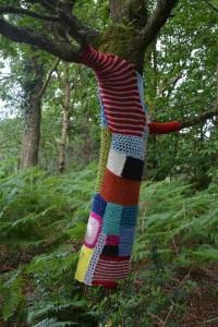 gite-ecolo-bebe-bretagne-lavilleheleuc-arbre-tricot-DSC_7720