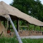 gite-ecolo-bebe-bretagne-lavilleheleuc-cabane-jeux-MurBouteilles-DSC_1486
