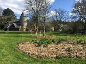 gite-ecolo-bebe-bretagne-lavilleheleuc-jardin-IMG_5451