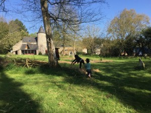 gite-ecolo-bebe-bretagne-lavilleheleuc-jardin-IMG_5463